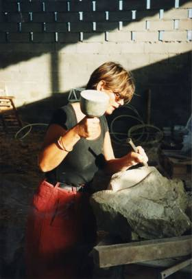 Stone sculpting classes do not require previous experience, just a little patience