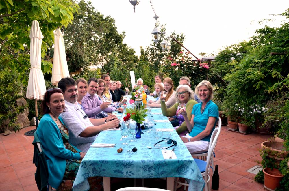 Ideal fro groups: Enjoy your meals at the long table on our terrace