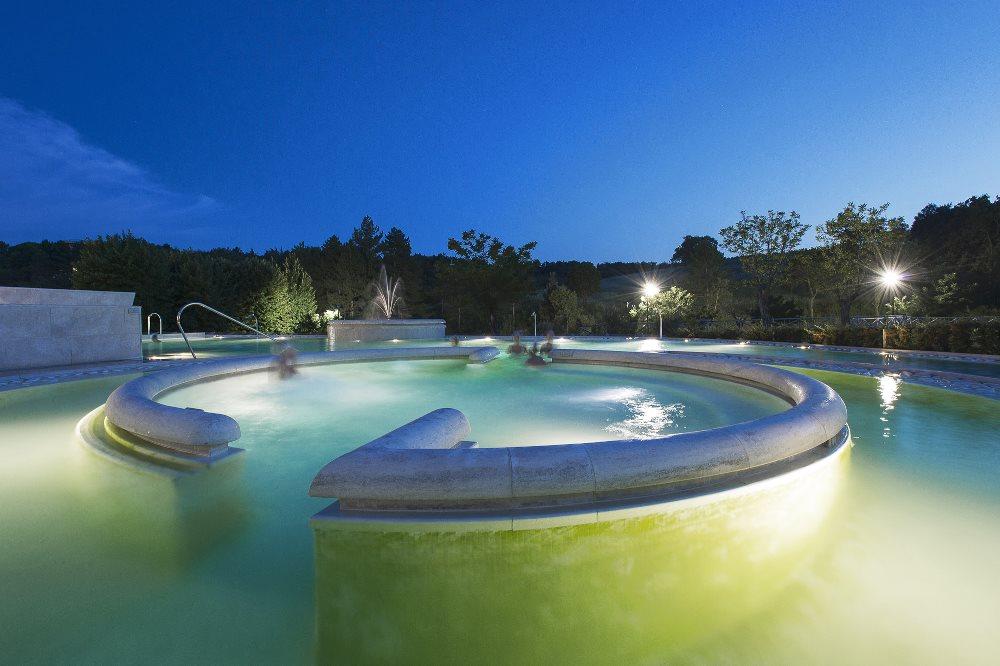 Thermal spas in tuscany agriturismo villa la rogaia for Piscine thermal